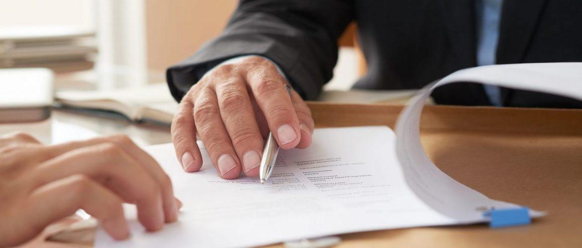 advogado de direito contratual