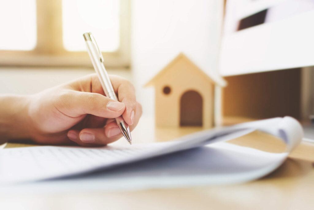 Como-fazer-um-contrato-de-compra-e-venda-de-imóvel-seguro